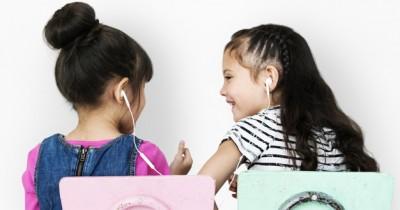 7 Alasan Tidak Boleh Saling Tukar Pinjam Earphone, Remaja Perlu Tahu