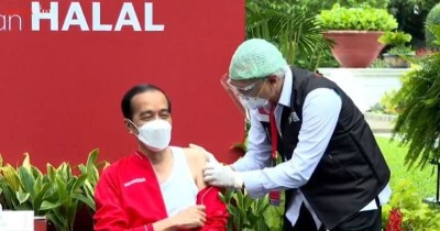 Momen Presiden Jokowi Vaksinasi Covid-19 Kedua: Tak Terasa Apa-Apa Kok