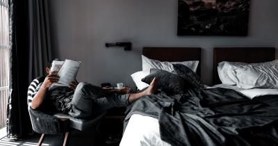 Pemerintah Bagikan Fasilitas Hotel Nakes OTG Lakukan Isoman