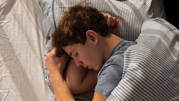 3. Membangun kebiasaan tidur baik