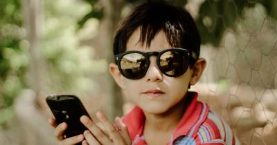 Penting Ma, Mengajarkan Anak Cara Berinternet yang Aman