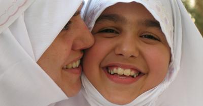 5 Pilihan Doa-Doa Baik Mama Anak Perempuannya