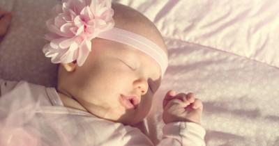 Apakah Bayi Baru Lahir Perlu Dijemur Cek Fakta Dulu, Ma