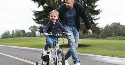 Wajib Tahu, 5 Hal Perlu Papa Lakukan Bersama Anak Usia 1-3 Tahun