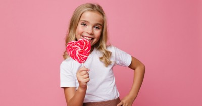 7 Kepribadian Anak Suka Warna Pink Penuh Kasih Sayang