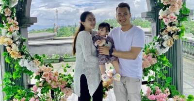 Istri Eza Gionino Melahirkan Anak Kedua Berjenis Kelamin Laki-Laki