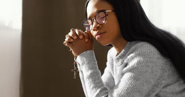 Pikiran Lebih Tenang, Ini 5 Manfaat Berdoa Rosario Bersama Keluarga