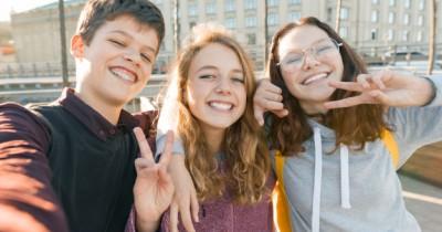 Mudah Bergaul, 5 Zodiak Remaja yang Dikenal Paling Ekstrovert