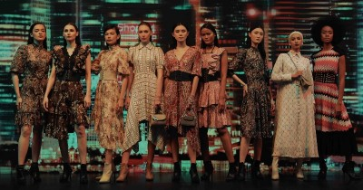 "Rumah Mode Barli Asmara Gelar Virtual Fashion Show ""Nactural Hours"""