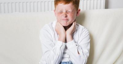 9 Pengobatan Alami Ampuh Mengatasi Tenggorokan Gatal Anak