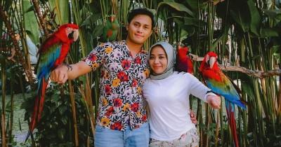 Bikin Iri, Ini 11 Potret Kemesraan Muzdalifah dan Fadel Islami