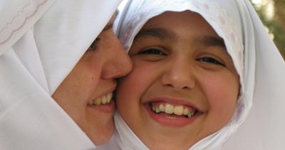 Mengajarkan Anak 9 Amalan Ibadah Mudah, Tetapi Berpahala Besar