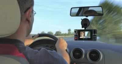 5 Alasan Penting Kenapa Kamu Perlu Menggunakan Dash Cam pada Mobil