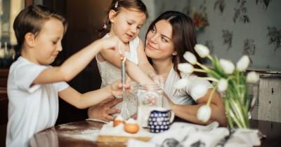 Faktor Pembentuk Karakter, Benarkah Perilaku Anak Cerminan Orangtuanya