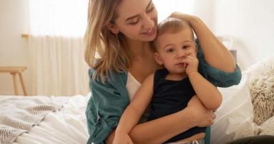Ingin Rambut Bayi Tumbuh Lebat Ikuti 7 Tips Efektif Ini