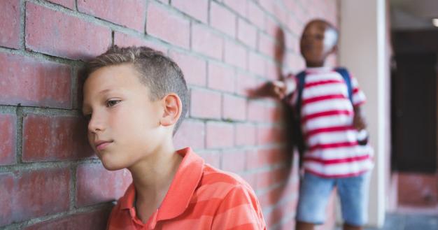 4. Memanggil anak sebutan buruk