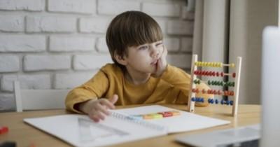 5 Cara Mendukung Anak agar Semangat Belajar Online