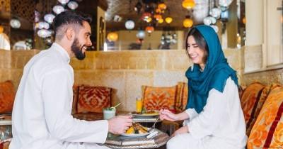 50 Kata-Kata Romantis Selamat Buka Puasa Pasangan