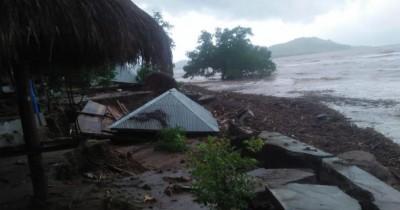 Berduka Banjir Bandang Terjang NTT, 11 Orang Meninggal Dunia