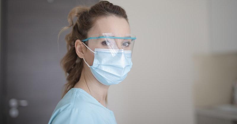 2. Kekurangan tim medis