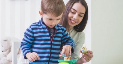 Kenali Tahap Perkembangan Anak Tiga Tahun Pertamanya