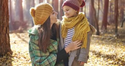 8 Cara Meningkatkan Keterampilan Anak dalam Mendengarkan