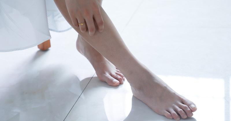 5. Mengistirahatkan kaki