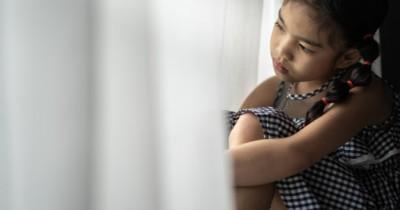 8 Meditasi Ramah Anak Mengatasi Kecemasan Stres