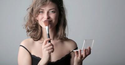 5 Tips Makeup agar Terlihat Lebih Muda