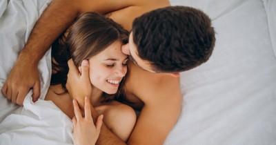 5 Alasan Posisi Seks Spooning Bisa Memuaskan Pasangan saat Bercinta