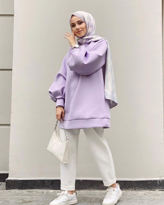 2. Oversize sweater warna lilac