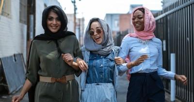 Selain Gamis, 5 Ini Pilihan Outfit Lebaran untuk Mama