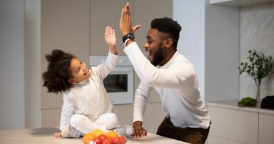 5 Cara Mendidik Anak Perempuan agar Menjadi Pribadi Tangguh