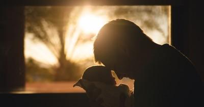 5 Hal Kecil tapi Penting Bisa Dilakukan Suami Ruang Bersalin