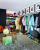 3. Fitting room mencoba pakaian