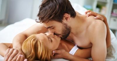 5 Gerakan Nakal saat Posisi Seks Cowgirl yang Memuaskan Pasangan
