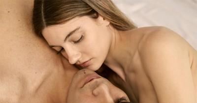 5 Alasan Suami Menyukai Pasangan Tanpa Busana saat Bercinta