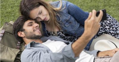5 Alasan Kenapa Suami Istri Jarang Umbar Keharmonisan di Media Sosial