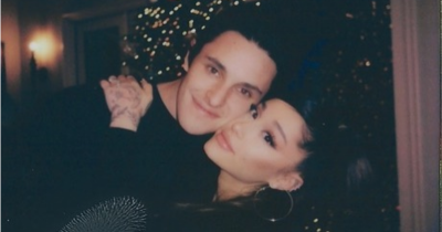 Resmi Menikah, Ini 5 Fakta Percintaan Ariana Grande dan Dalton Gomez