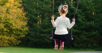 5 Tips Bermain Ayunan Aman bagi Anak