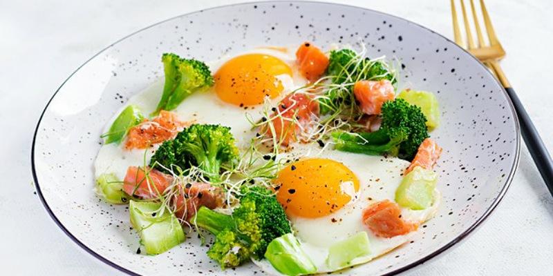 4. Melakukan pola makan sehat gizi seimbang