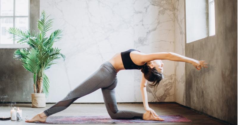 5. Hot yoga, olahraga temperatur ruangan lebih panas