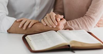 50 Ayat Alkitab tentang Pernikahan, Bisa Jadi Renungan Positif