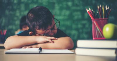Mudah Sakit, 5 Efek Buruk Begadang bagi Remaja Cara Mengatasinya