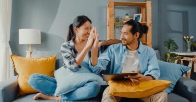 4 Fase dalam Pernikahan yang Membuat Ikatan Suami Istri Semakin Kuat