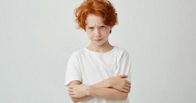 10 Bahasa Tubuh Negatif Anak Perlu Hindari Saat Berinteraksi