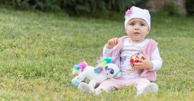 100 Ide Nama Bayi Perempuan Kristen Inisial Huruf B