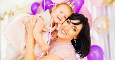 Kapan Waktu Tepat Tindik Telinga Bayi Pastikan Tidak Melukai