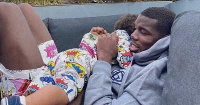 Peringati Hari Ayah, Ini Deretan Foto Pemain Bola MU Bersama Anaknya