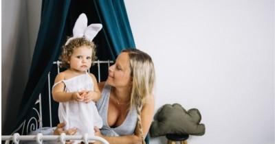 5 Bahaya Memakaikan Bando Bayi Baru Lahir, Bisa Hambat Pertumbuhan